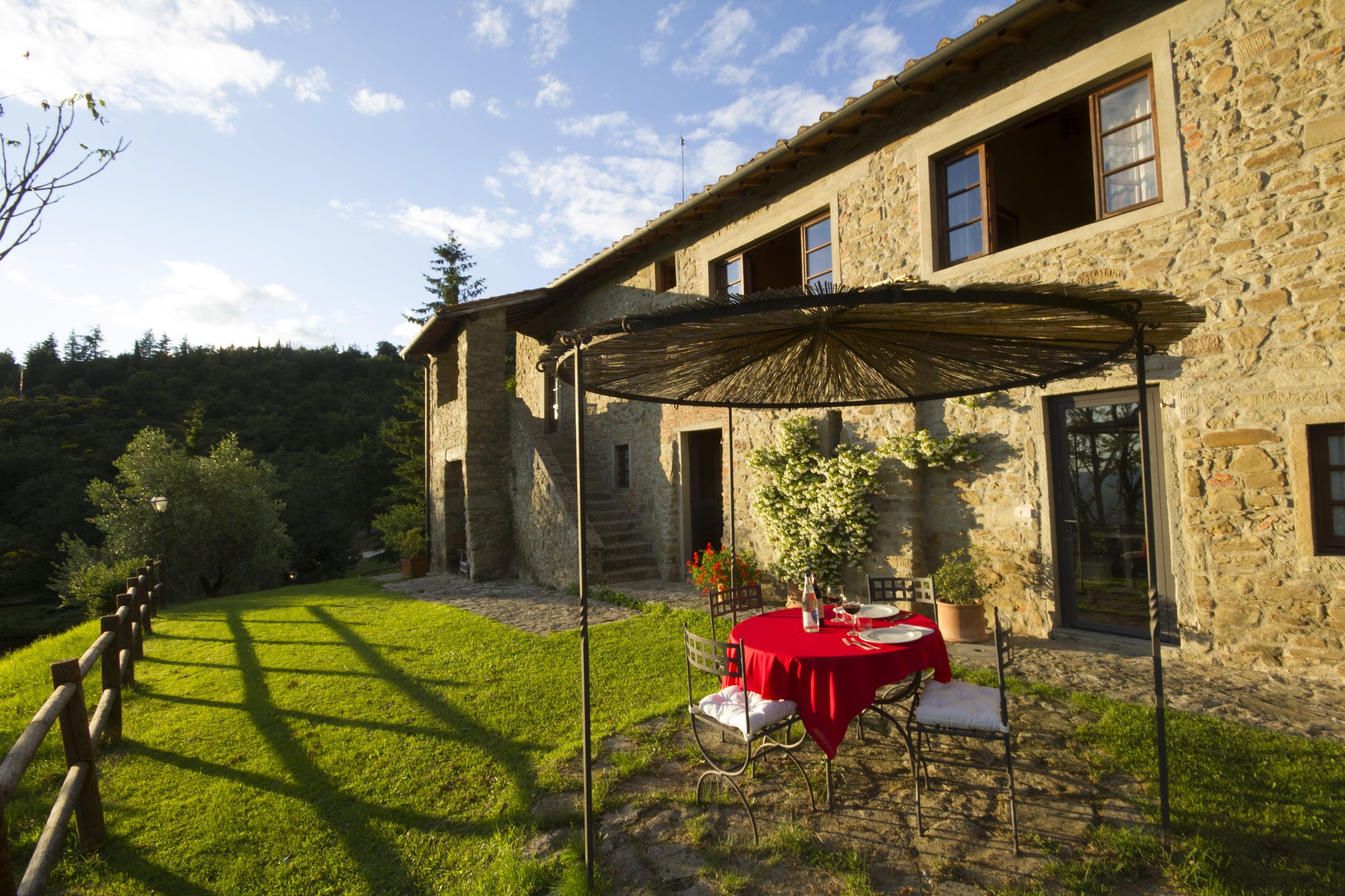 Borgo La Capraia la tua vacanza in borgo medievale in Toscana